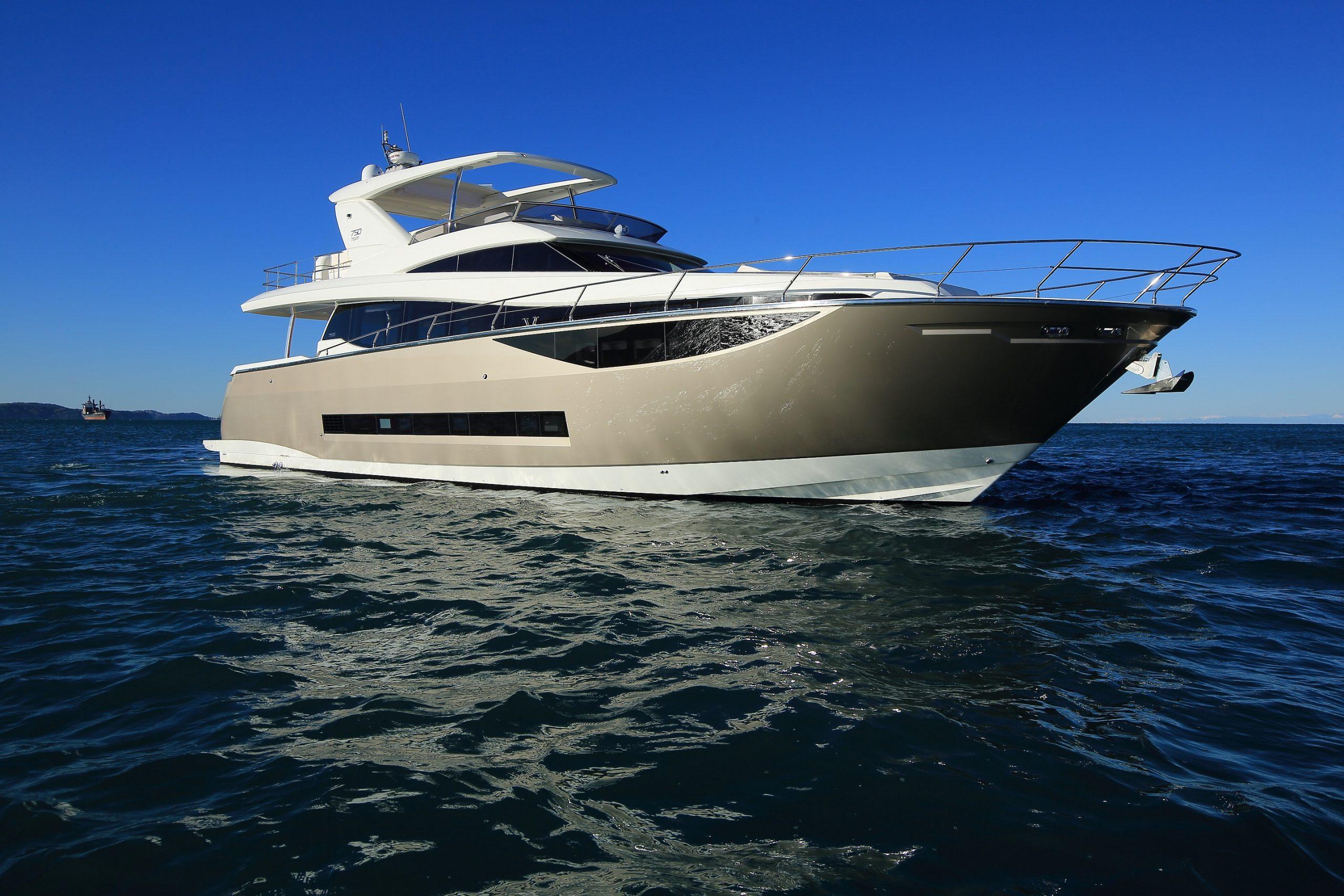 Яхта Prestige 750 | ID: 14336