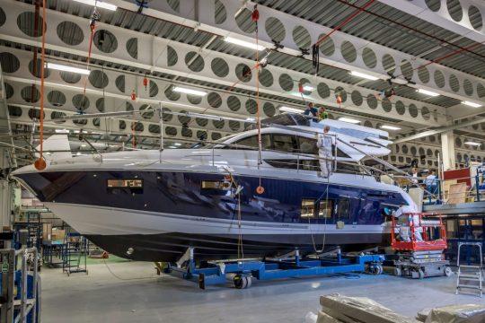 Сезонное предложение для владельцев яхт Fairline от WN Service