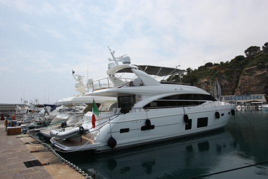 Яхта Princess 82MY | ID: 14322