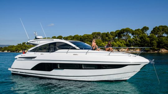 Новая яхта Fairline Targa 45 GT